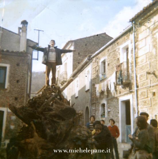 Fòcara di Tomaini (anni 70). Fotografia di Serafino Antonio Nero