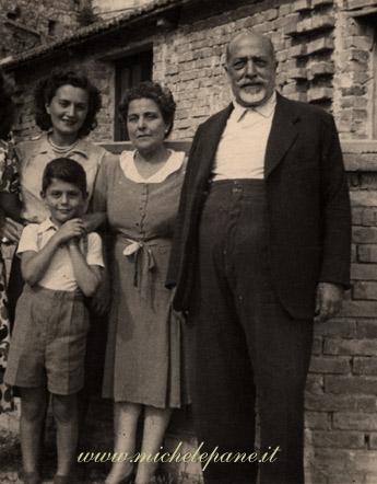 Libertà con il figlio Dario, Bianca e Vittorio Butera a Catanzaro - Luglio 1948