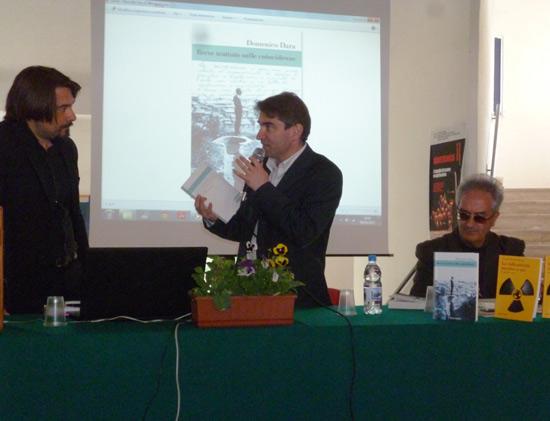 Domenico Dara, il dirigente scolastico Antonio Caligiuri e Giuseppe Musolino