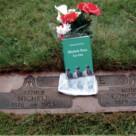 Giovanni Falvo visita la tomba di Michele Pane